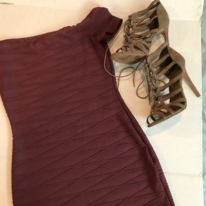 Windsor Maroon bodycon dress